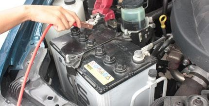 จะรู้ได้อย่างไรว่า แบตเตอรี่รถยนต์ ที่ใช้เริ่ม เสื่อม สภาพ ?
